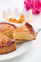 pastel de epifanía, pastel de rey, galette des rois foto
