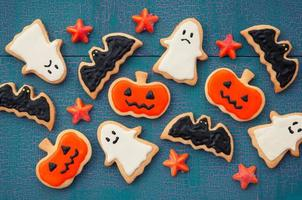 Halloween design which is decorated with a handmade cookie
