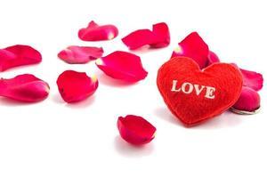 corazón como símbolo de amor con rosa, día de san valentín foto