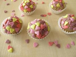 Marzipan pralines with sugar hearts