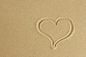 coração de praia.