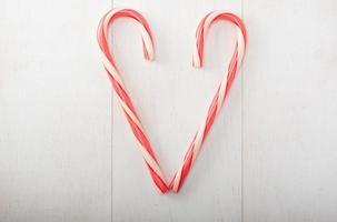 corazón de bastón de caramelo foto