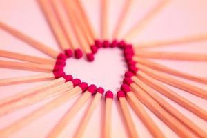 Herz aus Streichhölzern