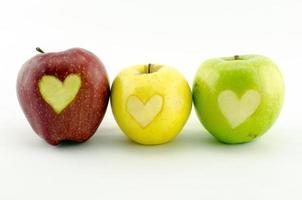 pommes cœurs et colorées