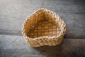 cesta em forma de coração