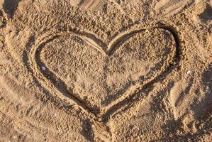 corazón en la arena foto