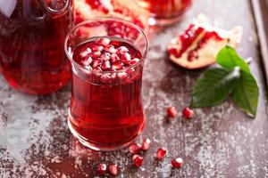 Pomegranate drink with sparkling water