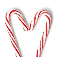 corazón hecho de dulces navideños foto