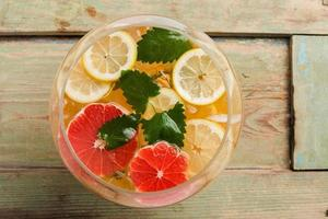 Grapefruit detox water photo
