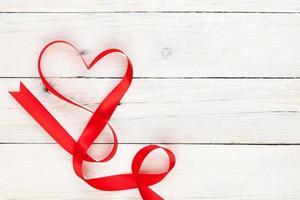 ruban en forme de coeur saint valentin