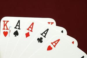 mano de póquer, ases y rey