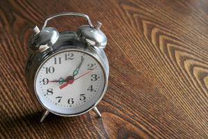 el despertador de metal, foto