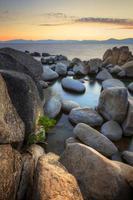 lago tahoe al atardecer