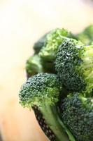 brócoli, limpio y cortado foto