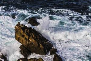piedras en el mar
