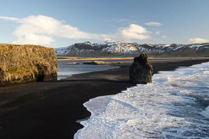 dyrholaey, perto de vik, islândia, norte da europa