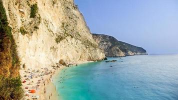 La playa de Porto Katsiki en la isla de Lefkada, Grecia foto