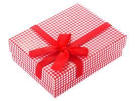 caja de regalo a cuadros roja y blanca
