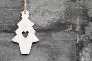 machine générique fait ornement d'arbre de Noël sur fond de style rustique