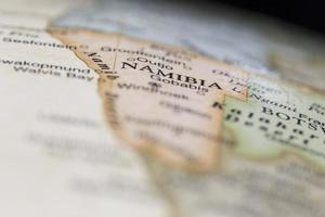 macro da Namíbia em um globo