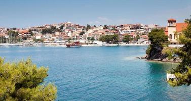 pequeña ciudad costera griega foto