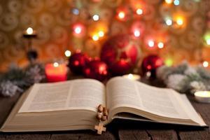 navidad y biblia foto