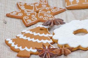 gingerbread with white design