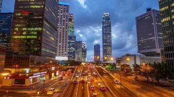 timelapse del traffico notturno a hong kong video