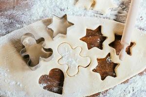 hornear galletas de azúcar frescas