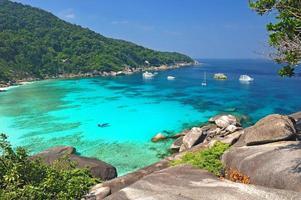 playa paradisíaca de las islas similares, tailandia foto
