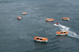 botes salvavidas foto