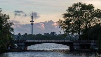 Hamburgo Alsterlake Sunset Hyper Lapse.