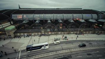 lapso de tempo dslr da estação central de hamburgo