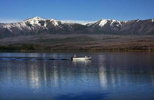 lago mcdonald pesca parque nacional glaciar montana foto