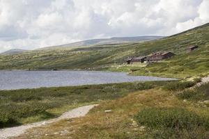 Lake Hovringsvatne and Smuksjoseter fjellstue (Hovringen, Norway