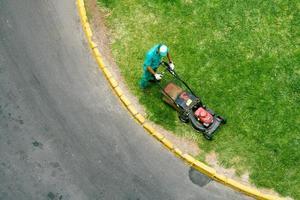 lawn mowing gardener, birds view