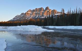 Castle Mountain Sunrise, Parque Nacional Banff, Canadá