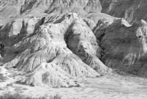 áspero y remoto paisaje de badlands, dakota del sur foto