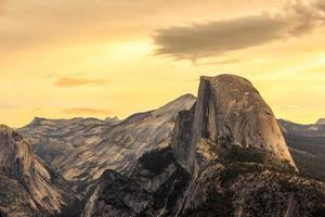 Half Dome Mountain en el Parque Nacional de Yosemite