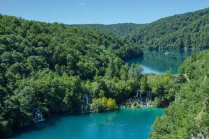 Parque nacional de los lagos de plitvice, plitvička jezera, croacia foto
