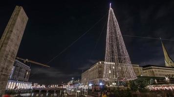 lasso di tempo di panoramica e inclinazione del mercatino di Natale di Amburgo