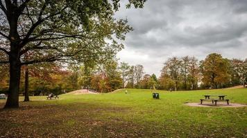 hamburg public green area im herbst dslr zeitraffer