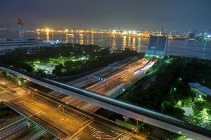 puerto de tokio por la noche foto