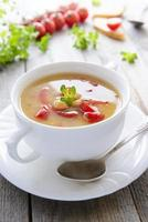 sopa vegetariana de grão de bico e vegetais