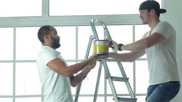This paint is suitable for ceiling video