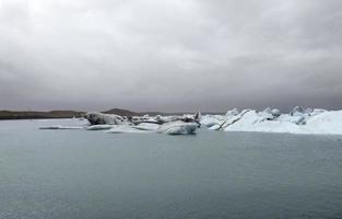 cenário costeiro de iceberg