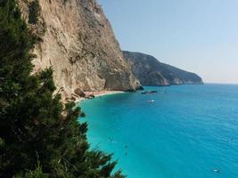 playa en isla griega foto