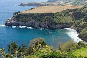 Vista costera en santa iria en la isla de sao miguel