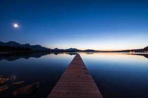 luz de la luna en el lago hopfen