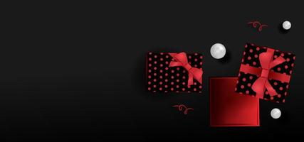 Banner promocional negro con cajas de regalo y perlas. vector